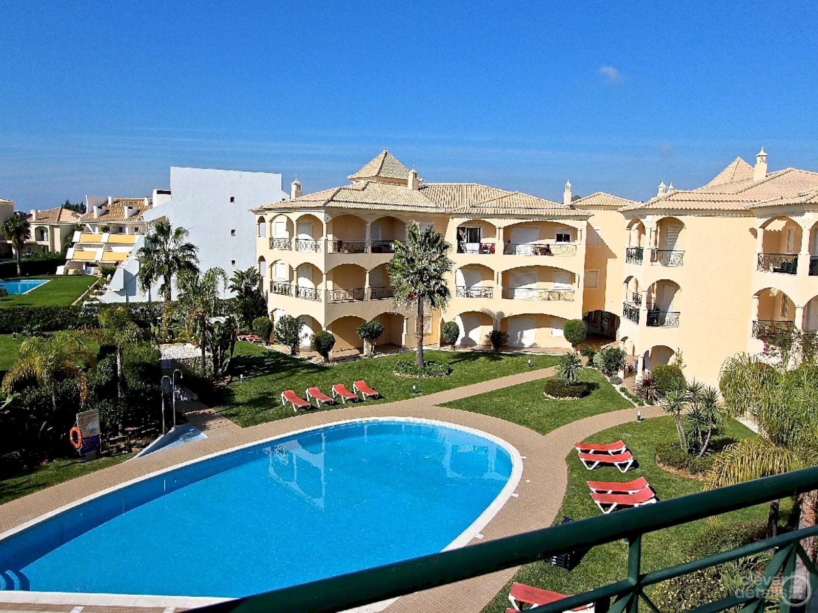 Praia Village holiday rentals apartments in Vilamoura with pool.